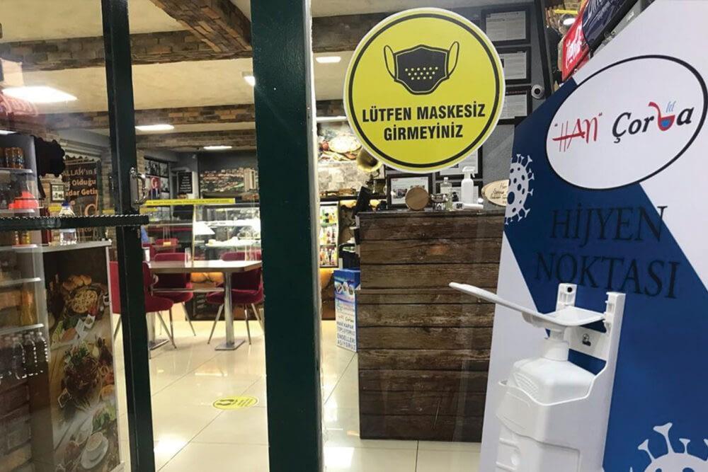 Esenboğa havaalanı yolu üzerinde 7 gün 24 saat açık lokantamıza siz değerli müşterilerimizin havaalanı yolu üzerinden geçerken hizmet vermekten onur ve gurur duyarız.